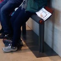 Assis ou debout ?